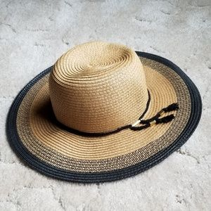 Accessories - NWT Sun Hat!